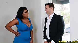 Buxom ebony Dominique Marley seduces a fella by going topless