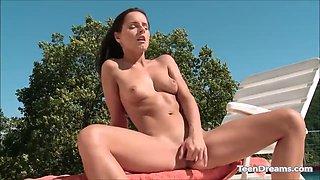 kari czech masturbating at the pool