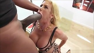 Pussy suicide for orgasm