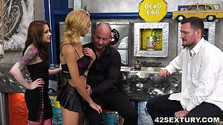 Squirting orgy with Veronica Leal and Anna DeVille