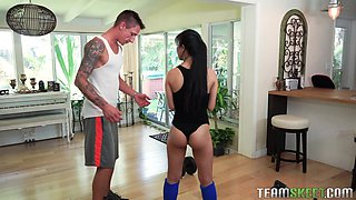Jade Kush cannot resist a hunk's huge pleasure tool