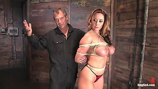 Christina Carter in Bondage Tutorial A Bonus Update To Inform Members On Basic Ties And Techniques. - HogTied