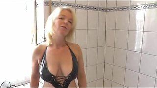 Hot misstress pees on her slave