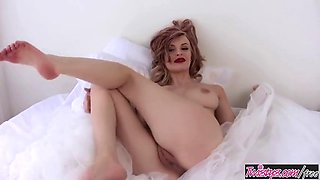 Bree daniels rubs her clit and plays with her dildo twisty