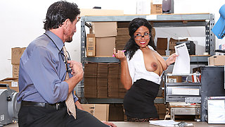 Quinn Quest & Tommy Gunn in Big Tit Office Chicks - DevilsFilm
