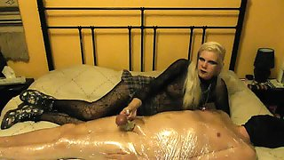 sadobitch - vera gets kicked in her balls
