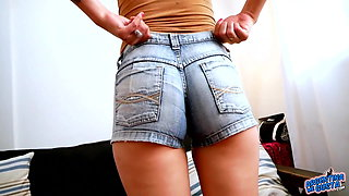 Huge Cameltoe Puffy Pussy Teen In Super Tight Denim Shorts