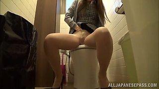 miu fujisawa fingers her pussy a restroom