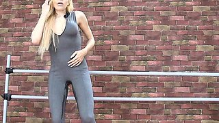 Real female pee desperation wetting their jeans 2017 5