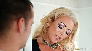 Passionate Rebecca Jane Smyth adores when her friend cum on her tits