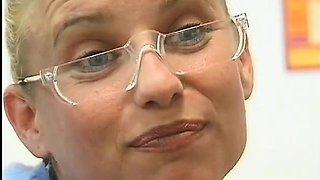 Cutie's pierced twat fucked
