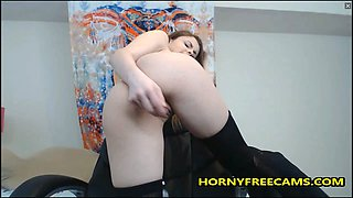 Petite 18yo Is Very Passionate About Pussy Play