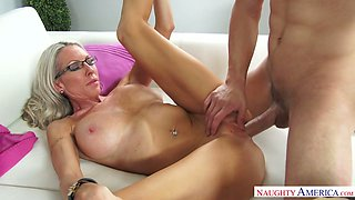 Spoiled milf Emma Starr seduces the best friend of her son