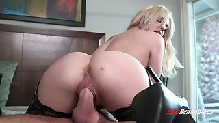 smoking hot blondie dahlia sky masturbates before riding fat dick