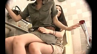 2 LESBIS LIKE TO MASTURBATE IN TOILET