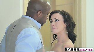 Babes - Black is Better - Jennifer White and