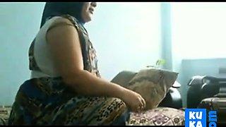 Turkish Hijab Housegirl Sucking