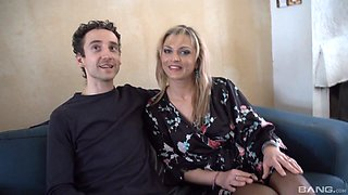 Horny guy talks Sophia Magic into fucking with him roughly