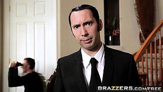 Brazzers - Baby Got Boobs - Eva Angelina Keir