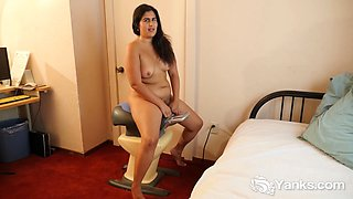 Yanks miel rides the amazing fitness toy