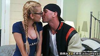 Brazzers - Teens like it BIG - Jessie Rogers Johnny Sins - Party Girl