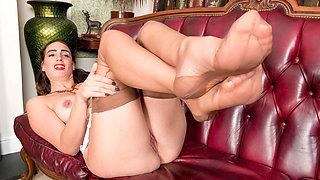 Brunette Milf masturbates in vintage lingerie seamed nylons