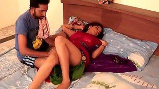 Shruti bhabhi - नोकर और मालकिन romance with Servant in absense of her Husban