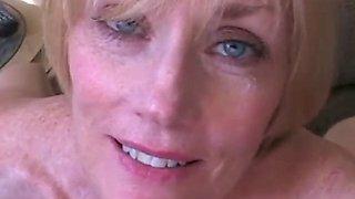 Lost in amateur grannys orgasm