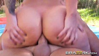 hot babe sucks and fucks her mans boner by the pool