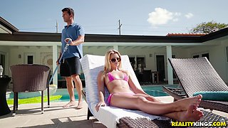 Riley Star teases Ramon Nomar nastily in the pool and gets pounded