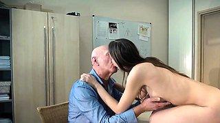 Natural tits pornstar deepthroat and cumshot