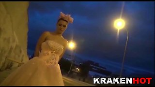 funny bride, submission on the street