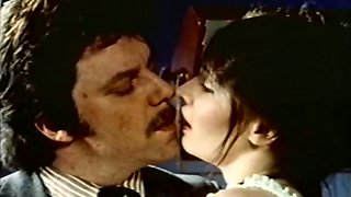 Bonny prostitute gives head and gets her bushy cunt licked - retro
