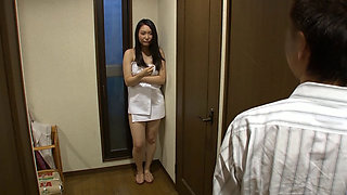 The Boss's Wife Gets Fucked In A Bath Towel