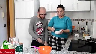 teamwork she in the kitchen and he fucks her