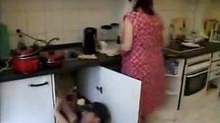 Repairman fucked housewife
