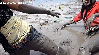 thai girls mazleni in mud