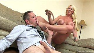 Kinky blonde mommy Alura Jenson dominates her fellow