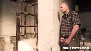 Il guardone della vecchia fabbrica 2