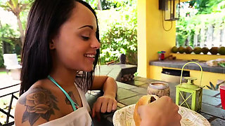Midget anal big dick xxx Holly Hendrix Has Some Fun With Her