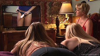 Lesbians Cory Chase and Giselle Palmer eat each other out