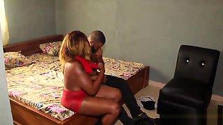 South African Babe Fucked Her Nigerian Pornstar Boyfriend&#039_s Big Dick - NOLLYPORN