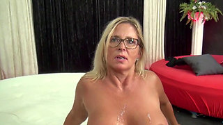 Blonde cougar getting fucked