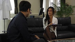Celebrating a Secretary's Day with a hot Katase Hitomi with a facial