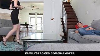 FamilyStrokes - Slutty Sister Seduces Bro With Lapdance