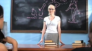 Teacher gives a oral-job stimulation and fingers pussy
