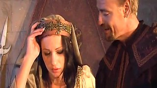 roi  pere  a envie de baisee sa fille  dans tout les trous