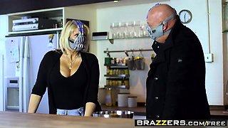 Brazzers - Pornstars Like it Big - Ella Hughe