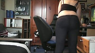 Watch awesome booty demonstration of lovely amateur girl