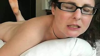 She stuffed her pussy with a small vibrator for the great orgasm
